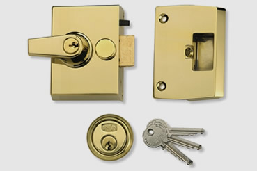 Nightlatch installation by Streatham master locksmith